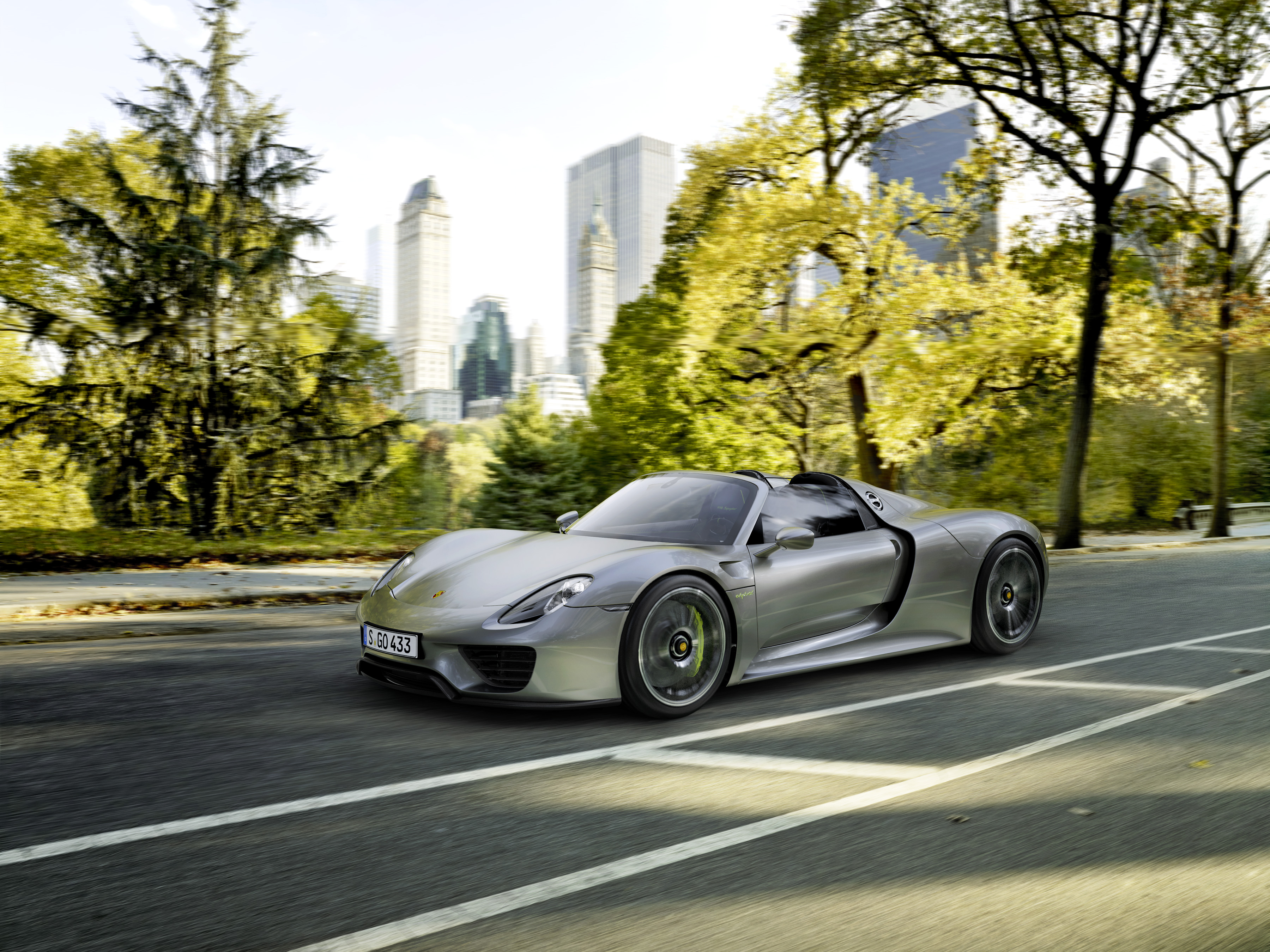 production ready porsche 918 spyder revealed cf blog - Porsche 918 Production Wallpaper