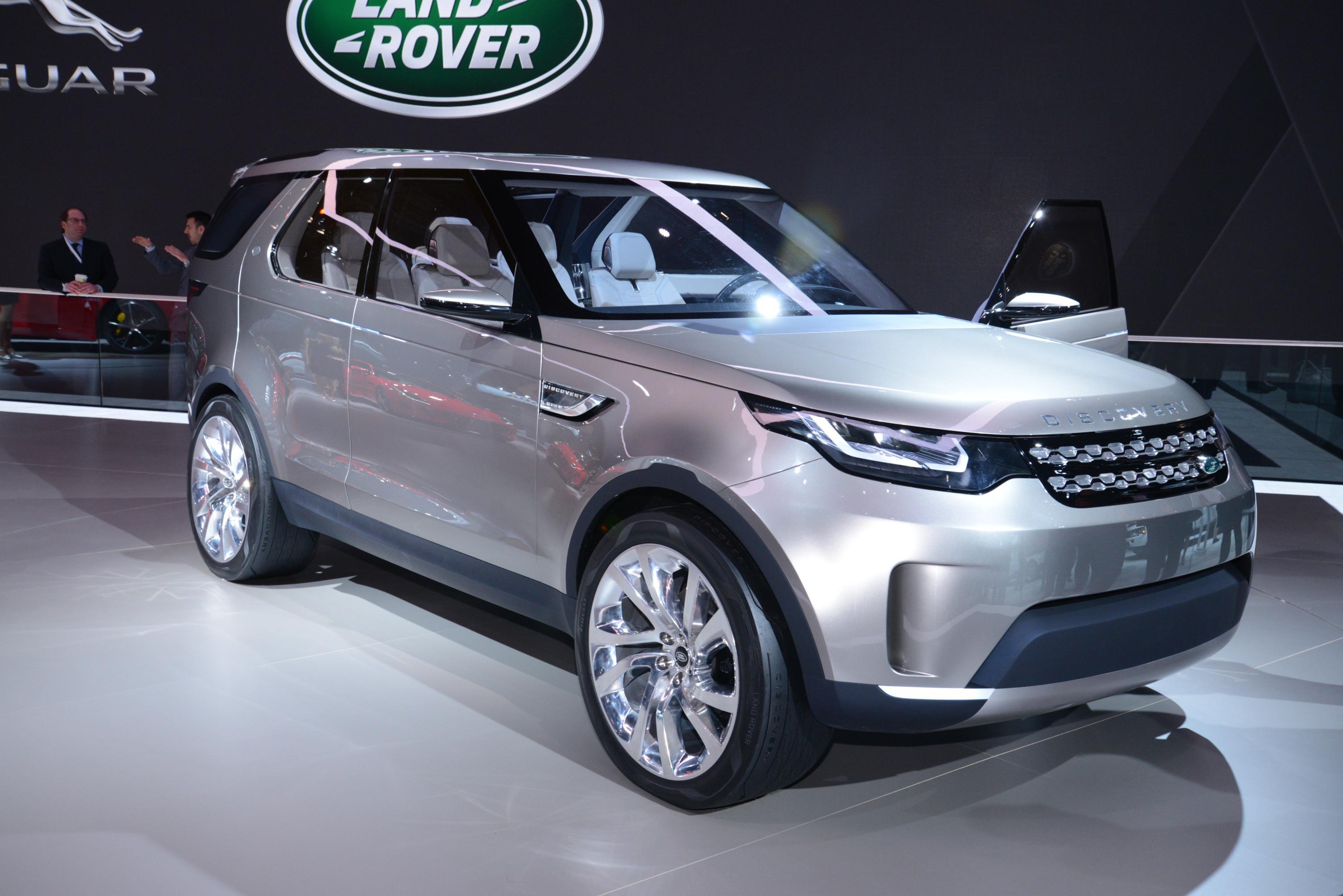 Ну, а пока британский автомобильный бренд порадовал первым официальным изображением внедорожника discovery нового