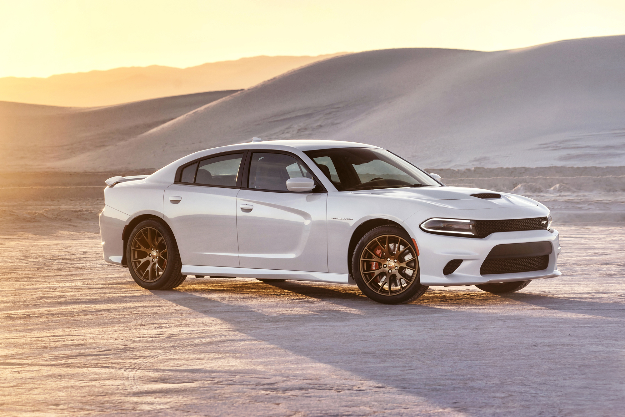 the new 2015 dodge charger srt hellcat completes the in seconds the mile in 11 seconds and tops out at pretty impressive stuff - Dodge Challenger 2015 Srt8 White