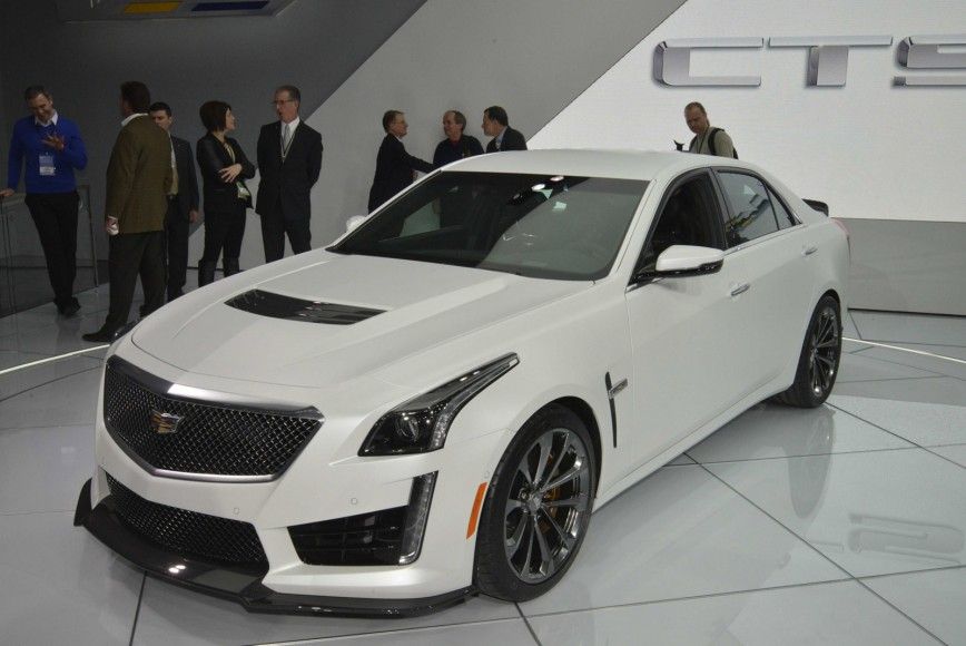 2016 Cadillac CTS-V live photos: 2015 NAIAS • Carfanatics Blog