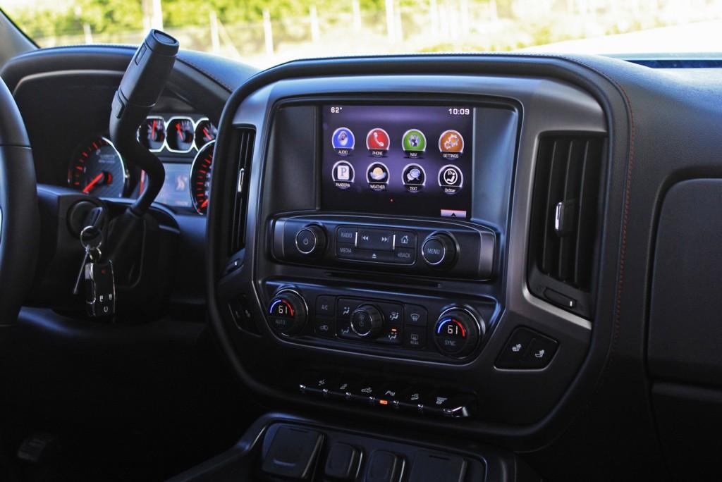 2015 GMC Sierra 2500HD 4WD Crew Cab SLT
