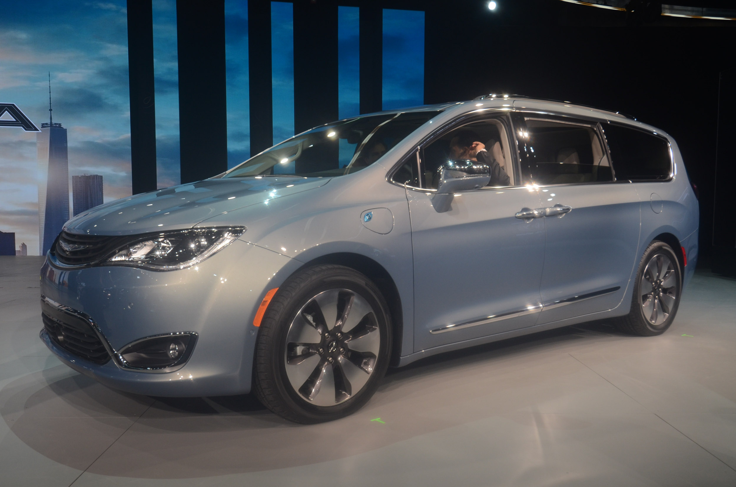 Awesome 2017 Chrysler Pacifica Live Photos 2016 NAIAS  CF Blog