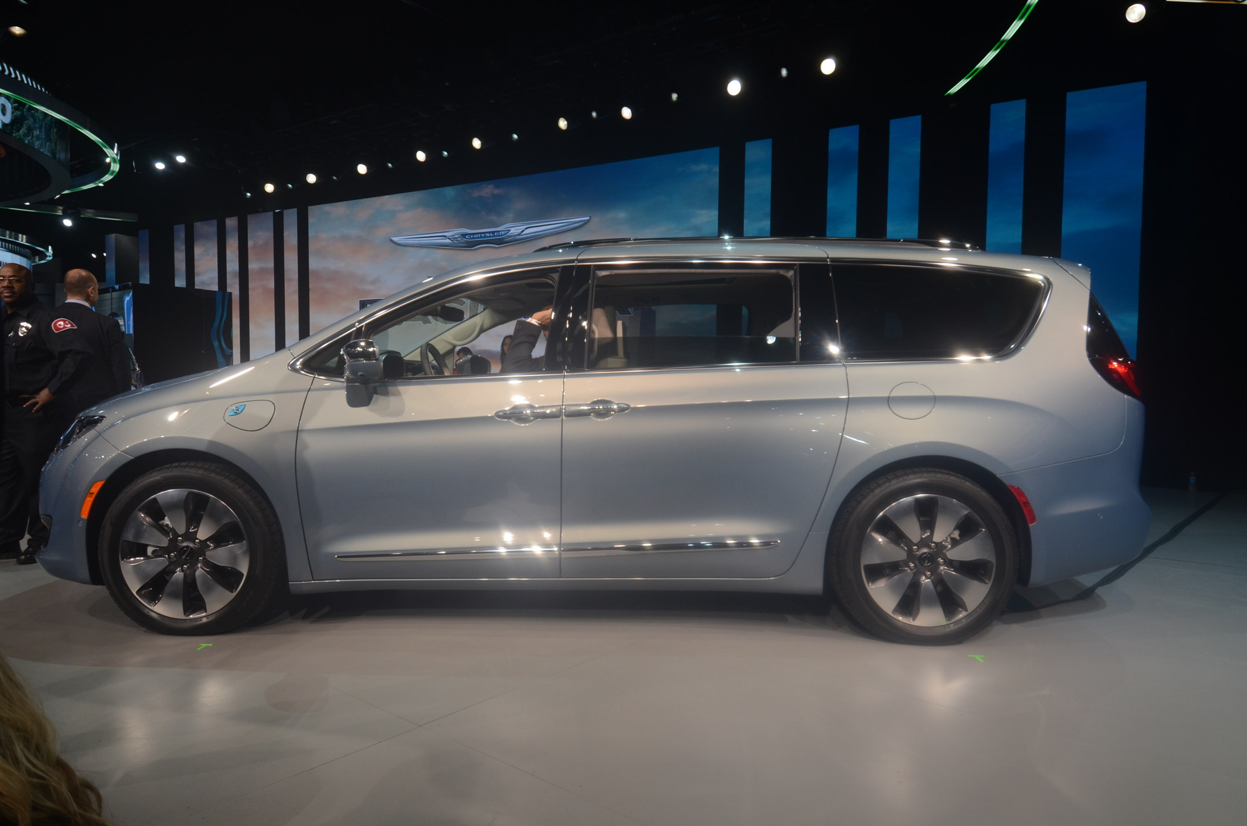 Unique 2017 Chrysler Pacifica Live Photos 2016 NAIAS  CF Blog