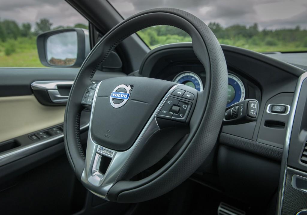 2015 Volvo XC60 T6 R Design