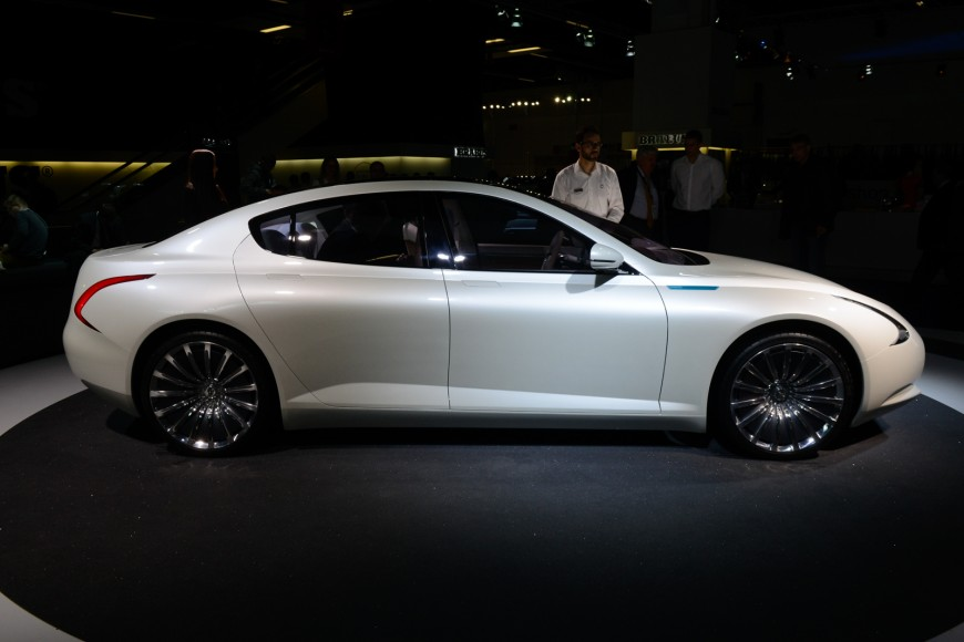 Thunder Power sedan concept