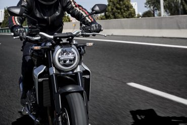 Switching from 4 wheels to 2 wheels: Everything you need to know before buying a motorcycle